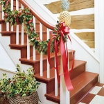 christmas-stairs-decoration3-5.jpg