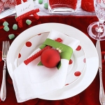 christmas-table-detail-on-plate7.jpg