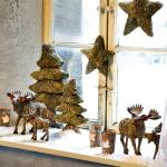 christmas-windows-decoration-windowsill9.jpg