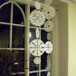 christmas-windows-decoration-snowflakes3.jpg