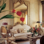 classic-chic-homes-owned-by-women-decorators1-1.jpg