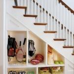 clever-ideas-under-stairs-in-hallway3.jpg