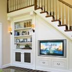 clever-ideas-under-stairs-in-livingroom10.jpg