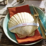 coastal-decor-on-plates-and-napkin-rings2-1