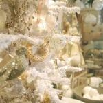 color-decor-to-white-christmas-tree1-1