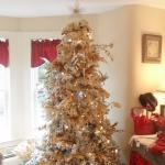 color-decor-to-white-christmas-tree1-3