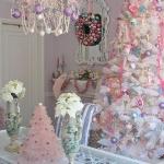 color-decor-to-white-christmas-tree3-1