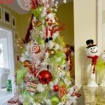 color-decor-to-white-christmas-tree4-6