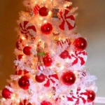color-decor-to-white-christmas-tree5-4