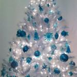 color-decor-to-white-christmas-tree6-4