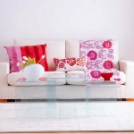 colorful-details-in-livingroom3-2.jpg