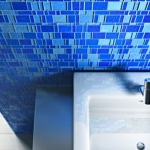 combo-blue-n-white-in-bathroom8.jpg