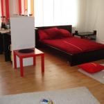combo-red-black-white-bedroom10.jpg