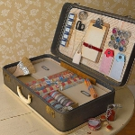 crafty-suitcase-ideas4-5.jpg