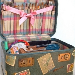 crafty-suitcase-ideas7-2.jpg
