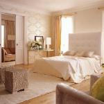 cream-shades-in-bedroom1.jpg