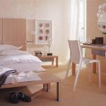 almond-shades-in-bedroom1.jpg