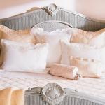 cream-and-tea-rose-shades-interior-ideas6-6.jpg