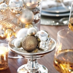 creative-decor-from-christmas-balls2-7