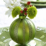 creative-decor-from-christmas-balls3-3