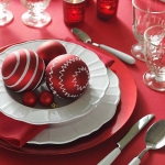 creative-decor-from-christmas-balls5-5