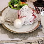 creative-decor-from-christmas-balls5-6