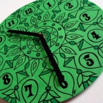 creative-ideas-from-recycled-vinyl-records-clocks11.jpg