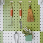 creative-organizing-things-with-pegboard3-3