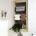 creative-storage-in-bathroom-niche10.jpg
