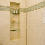 creative-storage-in-bathroom-niche6.jpg