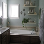 creative-storage-in-bathroom-shelves6.jpg