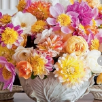 dahlias-bouquets-in-different-shades4-5.jpg