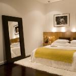 dark-wood-flooring-harmonious-rugs2-3.jpg