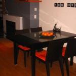 decorate-diningroom-1level-bright-accent7.jpg