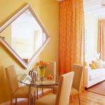 decorate-diningroom-1level-wall-decor2.jpg