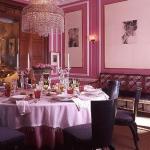 decorate-diningroom-3level-in-style1.jpg