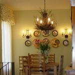 decorate-diningroom-3level-in-style3.jpg