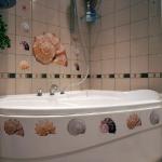 decoretto-stickers-in-bathroom1.jpg