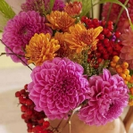delightful-dahlias-creative-arrangements1-5.jpg