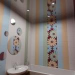 digest102-combo-tile-colors-in-bathroom4-1-3.jpg