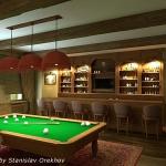 digest66-vacation-rooms-billiard7-2.jpg