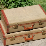 diy-crafty-suitcase1-before1.jpg