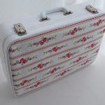 diy-crafty-suitcase2-1.jpg