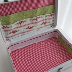 diy-crafty-suitcase2-2.jpg