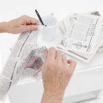 diy-decoupage-furniture-from-old-newspapers1-2