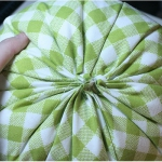 diy-pumpkin-pillow26.jpg