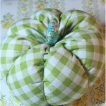 diy-pumpkin-pillow60.jpg
