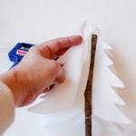 diy-tabletop-christmas-trees-from-felt1-4