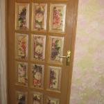 doors-makeover-ideas-art-paint3.jpg