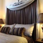 draperies-in-bedroom-headbord1.jpg